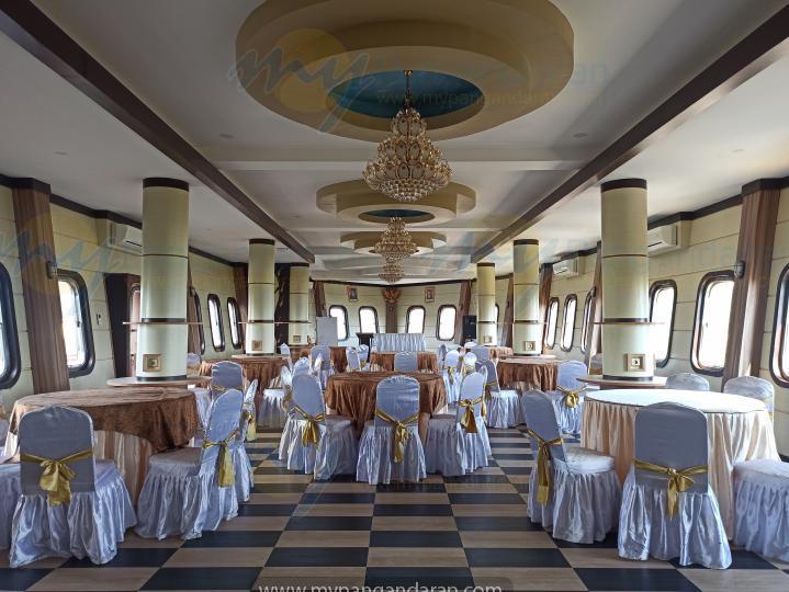 Tampilan Resto Kapal Pesiar Krisna Beach Hotel Pangandaran